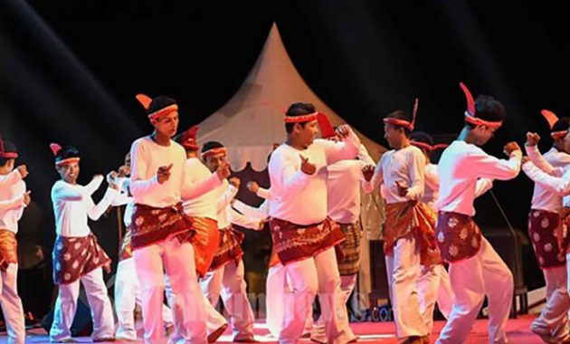 tari tradisional seudati aceh