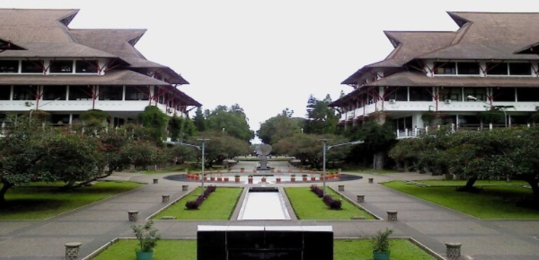 S1 Arsitektur - Institut Teknologi Bandung